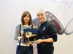 清华美女主播女流成第一位印在PS4主机上的中国人